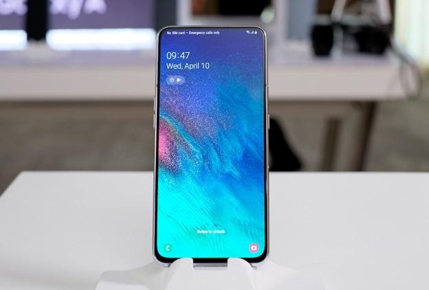 Giá bán Galaxy A80 là 14,99 triệu đồng