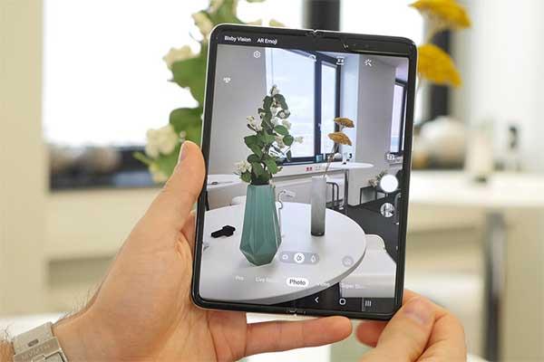 Samsung Fold thách thức mọi giới hạn với trang bị tới 6 camera