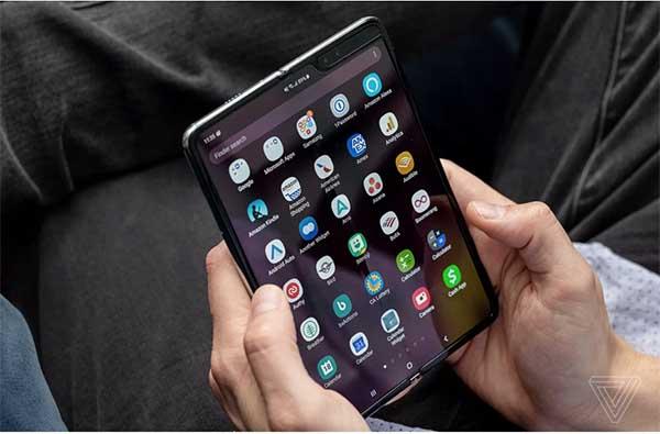 Galaxy Fold trang bị chip Snapdragon 855 gồm 8 nhân 64-bit