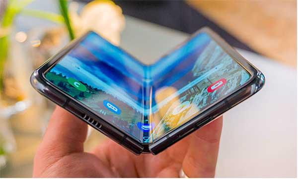 Galaxy Fold được bảo vệ bởi tấm kính cường lực Gorilla Glass 6 cao cấp