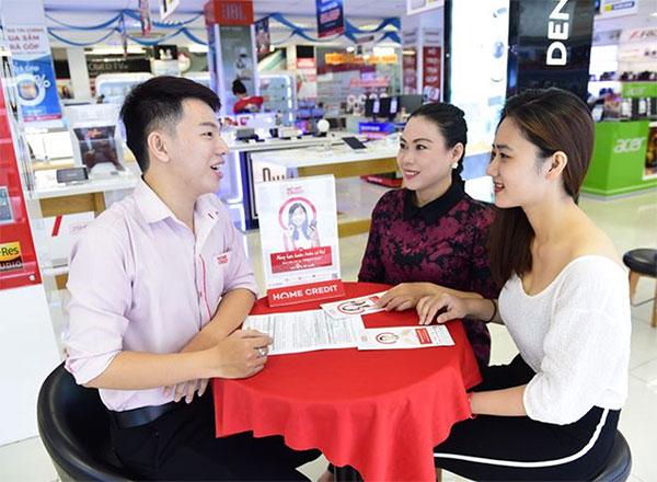 Đối tượng sinh viên đủ 18 tuổi mua trả góp cần có người bảo lãnh