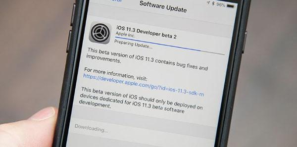 Cập nhật phiên bản hệ điều hành iOS mới cho iPhone để khắc phục lỗi