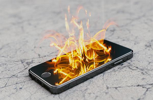 Có rất nhiều nguyên nhân khiến điện thoại bị nóng khi sạc